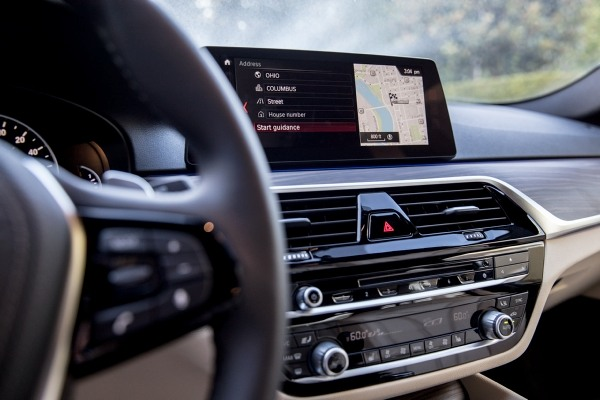 10 Ground Breaking New Car Gadgets For 2015