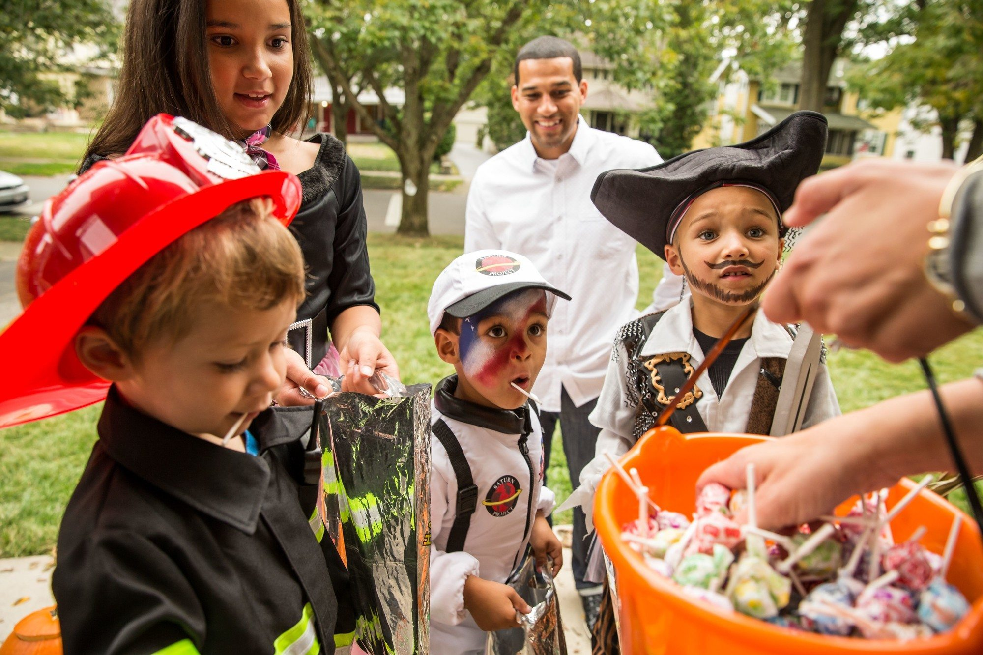 halloween and trick-or-treating safety tips