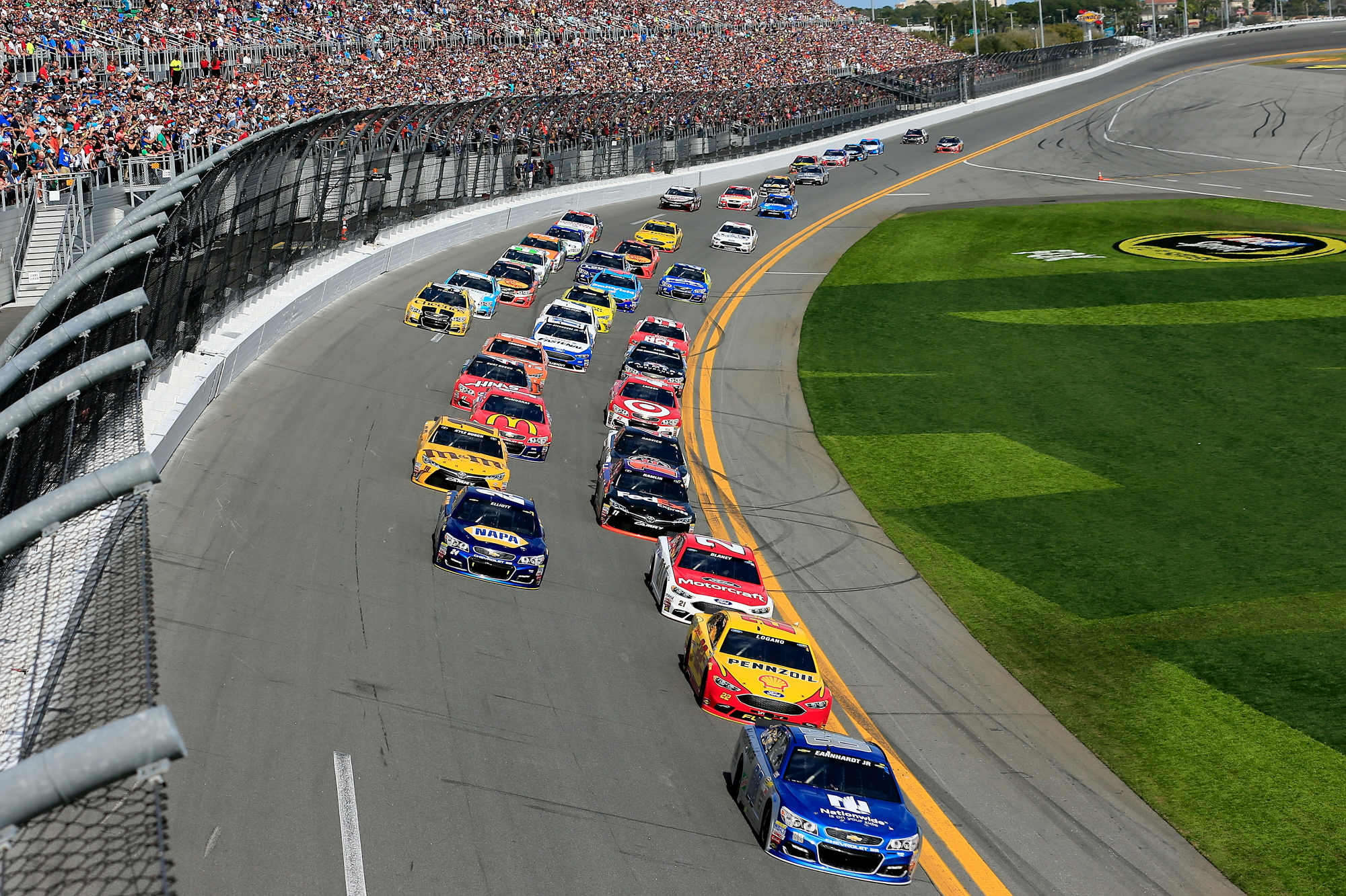race cars on Daytona 500