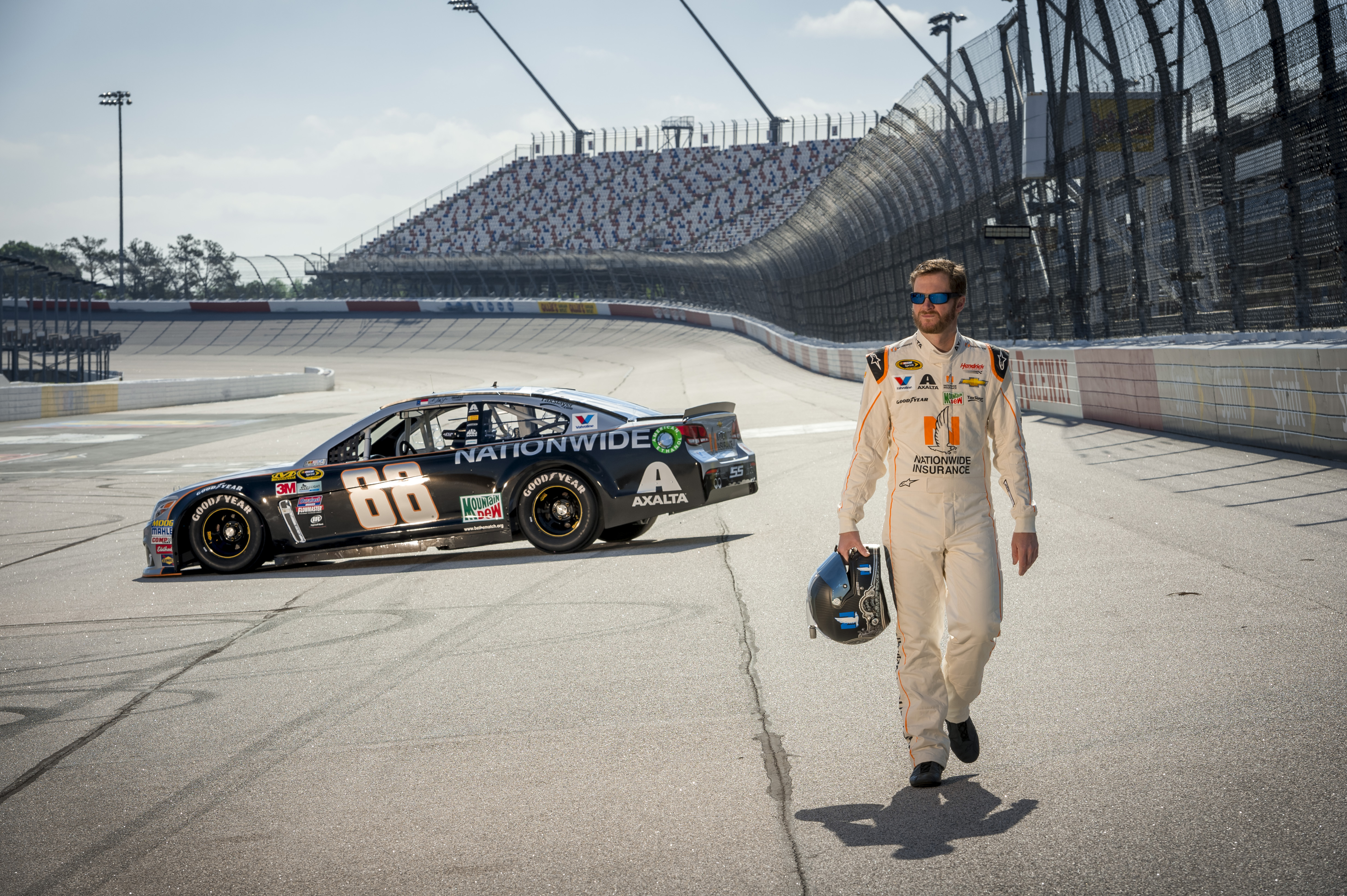 New Look for an Old Favorite: Dale Jr.\'s Paint Scheme
