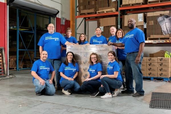 Nationwide Scottsdale Food bank volunteers
